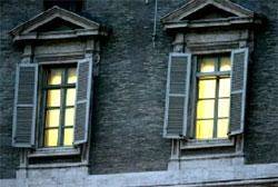 Puertas persianas campanas como indicios de muerte papalbeatificaci n del papa juan pablo ii - Persianas palacio ...